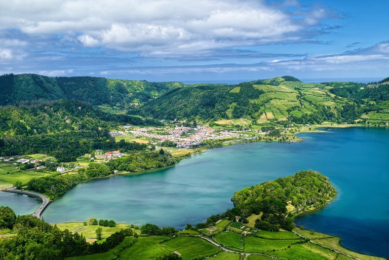Aerial view of Lagoon of the Seven Cities, Azorean island of Sao Miguel, Portugal | © vidalgo/Shutterstock