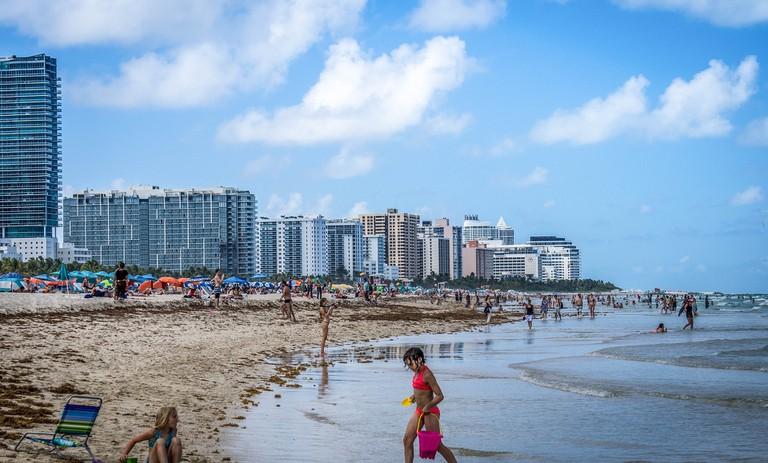 south-beach-895340_1920