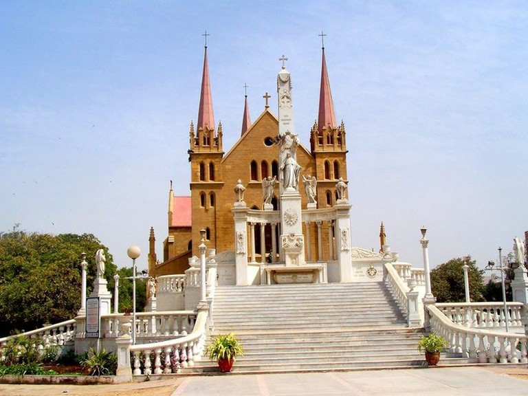 St.Patrick's_Cathedral_Church_Karachi_-_panoramio