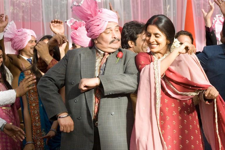 Rishi Kapoor and Neetu Singh in Do Dooni Chaar