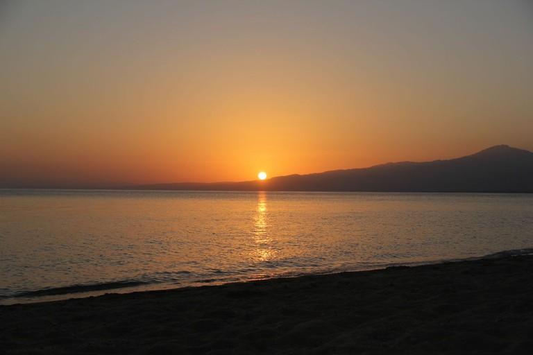 sunset-djibouti-sable-blanc-travel-africa