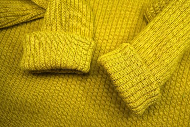 sweater-3124635_1920
