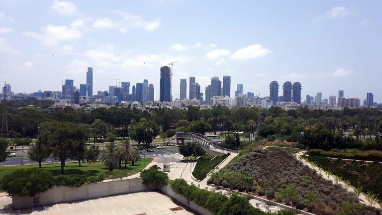 Tel_Aviv_panorama_from_the_Yitzhak_Rabin_Center