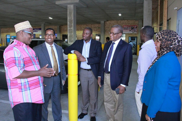 The AU Special Representative for Somalia meets Somalis in Minnesota AMISOM Public Information
