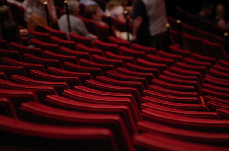 theater-1477670_1280
