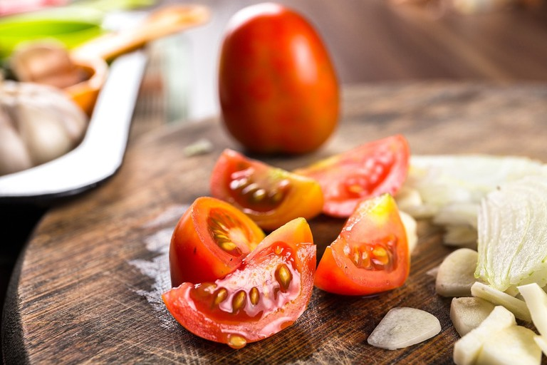 tomato-2974078_1280