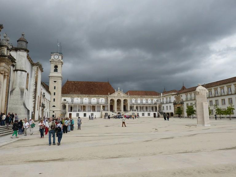 https://pixabay.com/en/university-coimbra-portugal-unesco-227791/