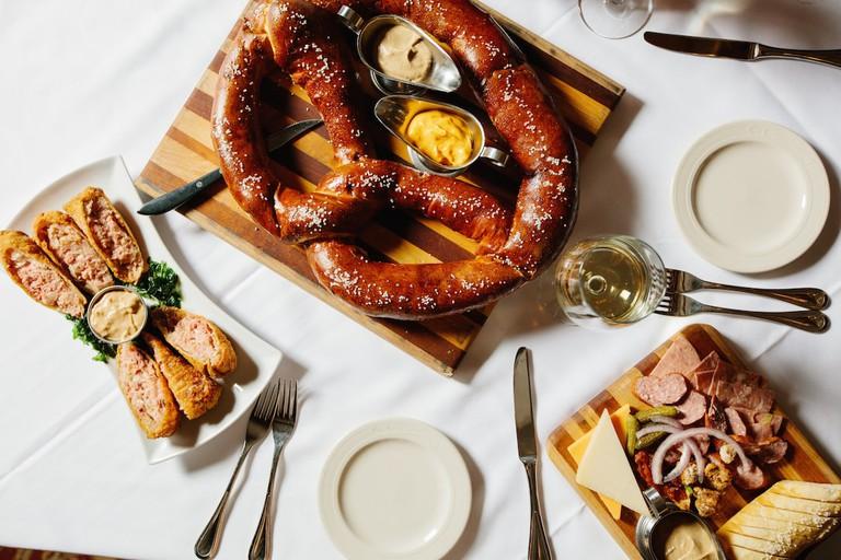 Mader's Restaurant | © VISIT Milwaukee