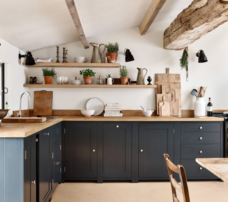 06-Sims-Hilditch-Converted-Farmhouse-Project-Kitchen-Design-Country-9b_180125_124139