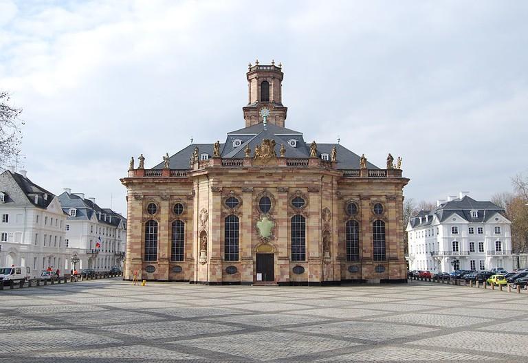 1024px-Ludwigskirche_Saarbrücken_2011_cropped