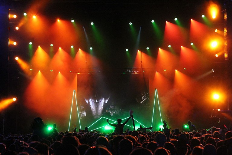1024px-Modeselektor_at_Melt!_music_festival_in_Germany