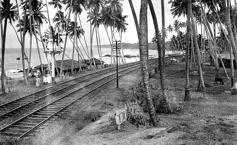 1024px-Railway_lines_near_Colombo-_Oct_1940