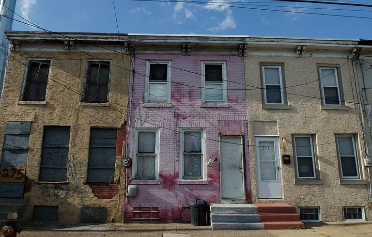 1024px-Trio_of_homes_in_Camden_NJ