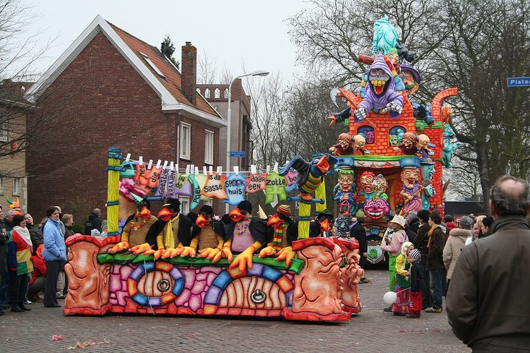 1200px-Betekoppenstad_-_Carnavalsoptocht_2007 tilburg