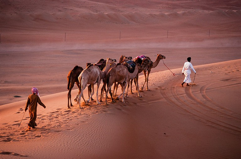 1200px-Oman_2010_wahiba_sands_nomads