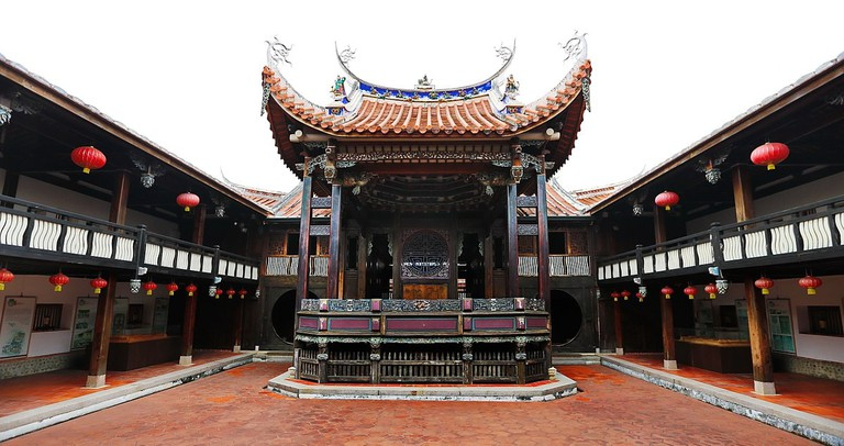 1200px-Wufeng_Lin_Family_Mansion_and_Garden,_Great_Flower_Hall,_Wufeng_District,_Taichung_City_(Taiwan)