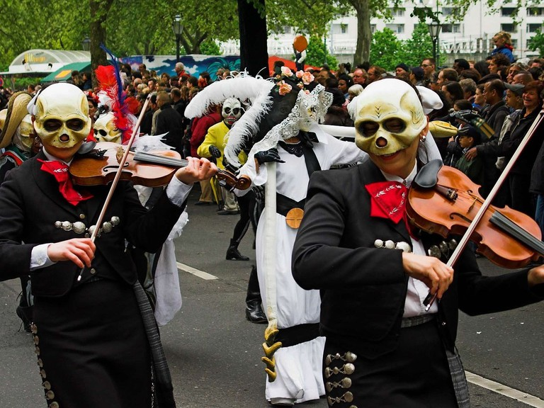 1280px-Carnival_of_cultures_Berlin_2005_f