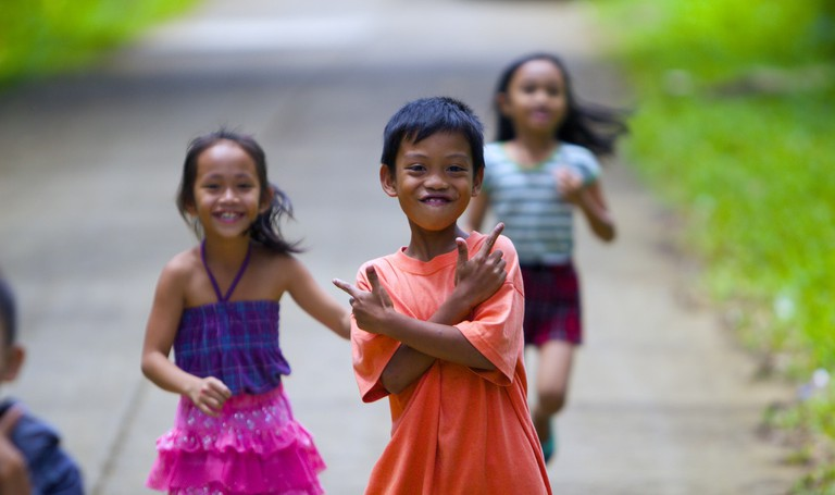 Filipino children strike a pose