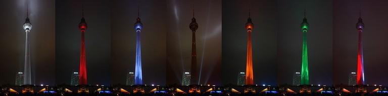 2009-10-23_-_Festival_of_Lights_-_Fernsehturm_Farbenspiel