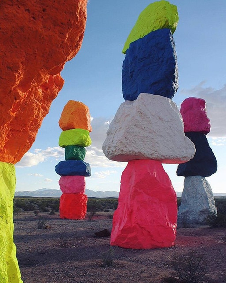 seven_magic_mountains_installation