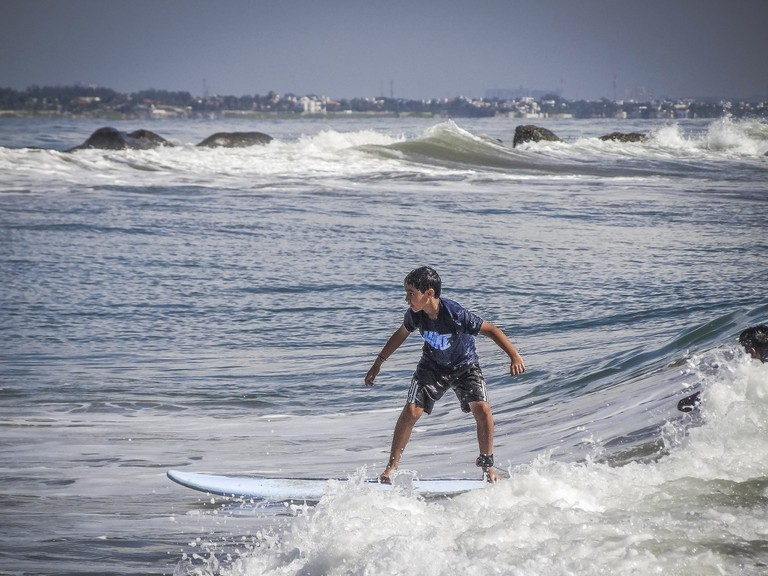 7.surfing_classes_