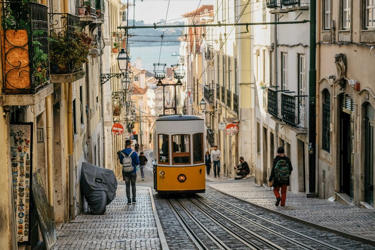 Miradouro de Santa Caterina-Lisbon-Portugal-Peláez