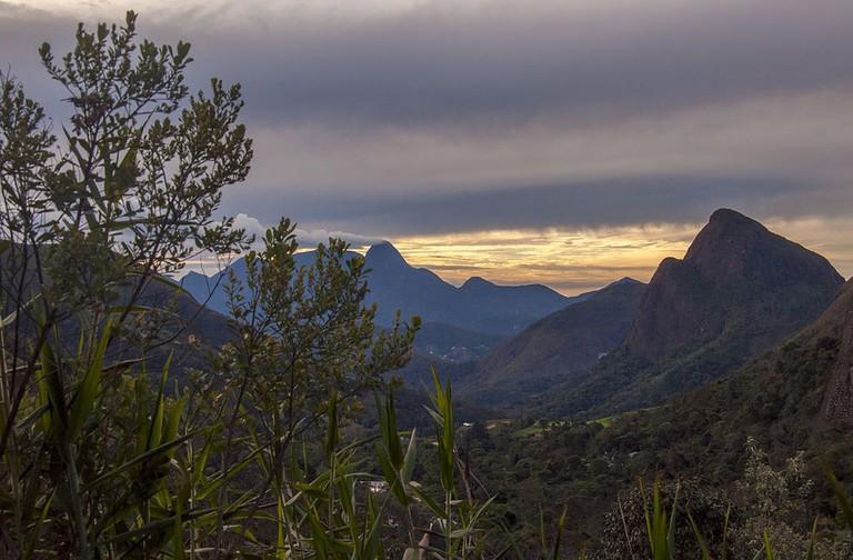 Acabando_o_dia_no_Parque_Nacional_da_Serra_dos_Órgãos_Sede_Petrópolis