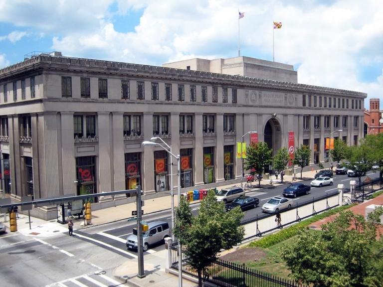 Enoch Pratt Central Library, Baltimore, Maryland, walking guide