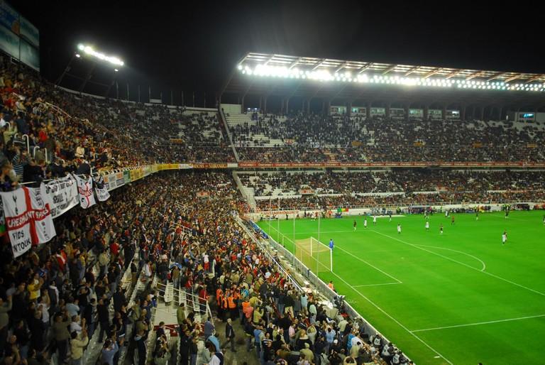 Estadio_Ramón_Sánchez_Pizjuán_Preferencia_and_Gol_Sur-2007-04-05