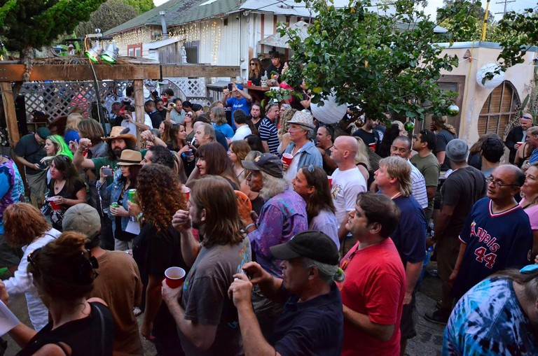 jeffest-crowd-party-