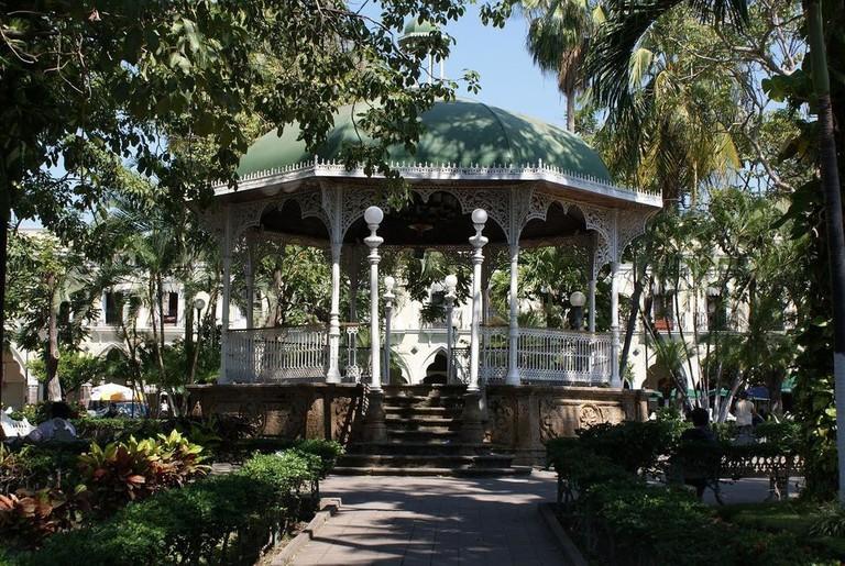 Kiosco_de_Colima_-_panoramio