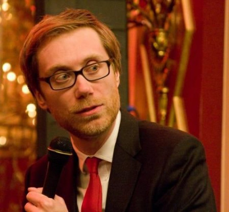 Stephen Merchant studied Film and Literature and graduated at 1996