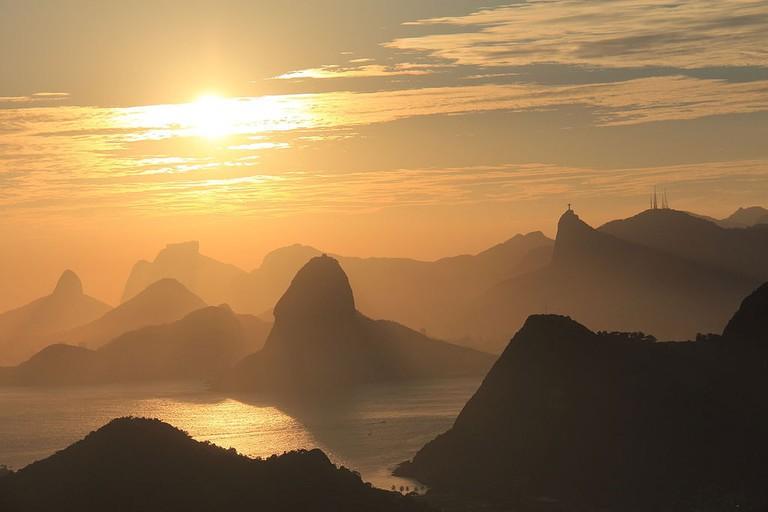 Por_de_sol_no_Rio_de_Janeiro