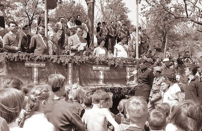 Republiška_štafeta_mladosti_je_krenila_iz_Šentilja,_mimo_Pesnice_in_skozi_Košake_do_Maribora_1960_(4)