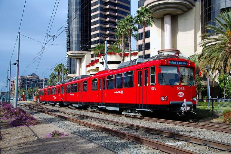 San_Diego_Trolley_1065