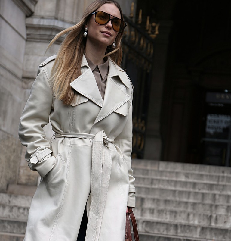 Pernille Teisbaek on the street during the Paris Fashion Week | © Mauro Del Signore/Shutterstock