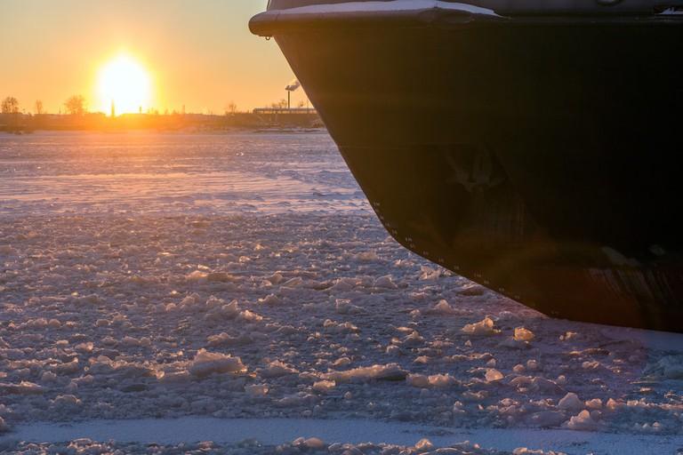 Icebreaker in the river ice on winter sunset | © Sergey Zaykov/Shutterstock