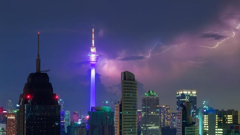 Thunderstorm with lightning bolts at night in Kuala Lumpur, Malaysia | © Shemyakina Tatiana/Shutterstock