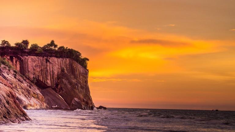 Sarawak's Tusan Cliff   © james wk/Shutterstock