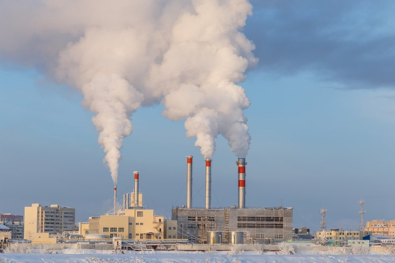 Smoke of pipes in winter Yakutsk city | © anthonykondratev/Shutterstock