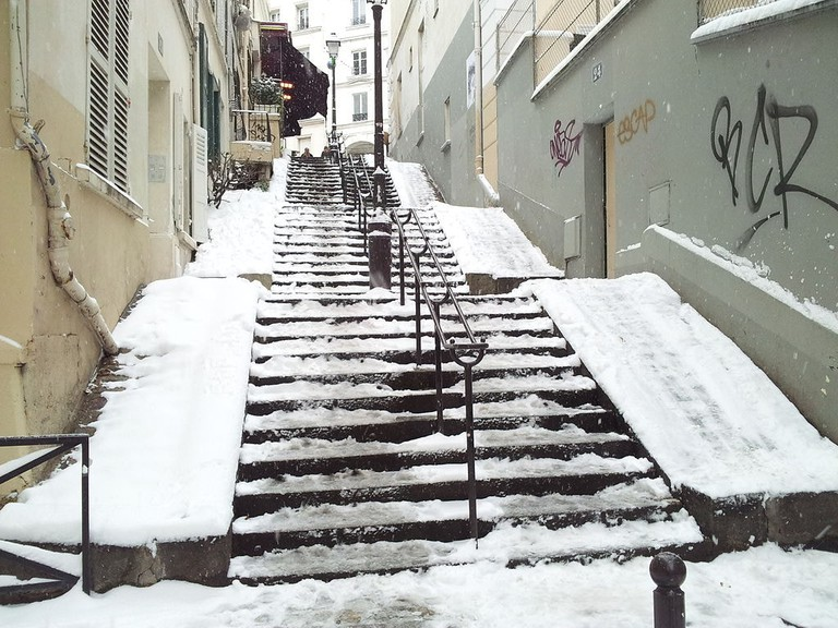 Stair_in_Montmartre,_Paris_20_January_2013