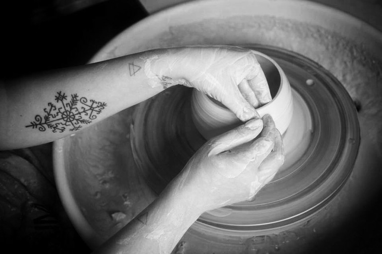 Turin-based ceramic artist, Anna Basile, at work | © The artist