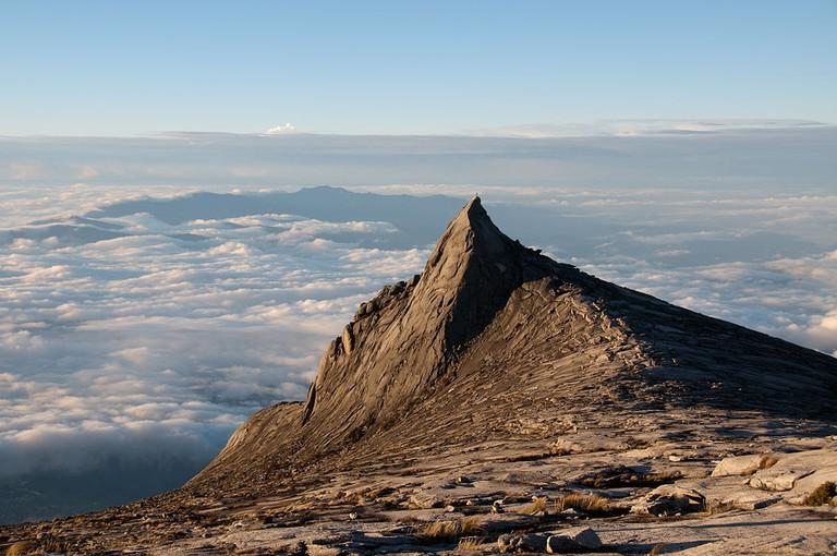 Subsidiary_peak,_Mount_Kinabalu