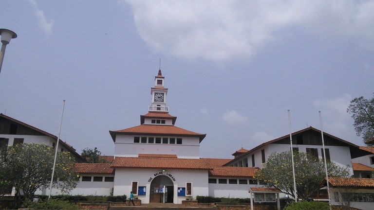The_Balme_Library,_Legon_2014_(1)