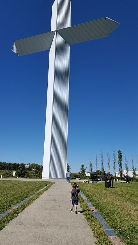 The_World's_Largest_Cross_In_Effingham_Illinois (1)