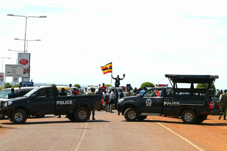 uganda.police.barricade