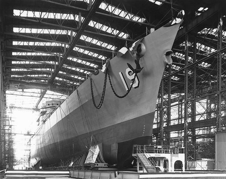 USS_Dale_(CG-19)_launch