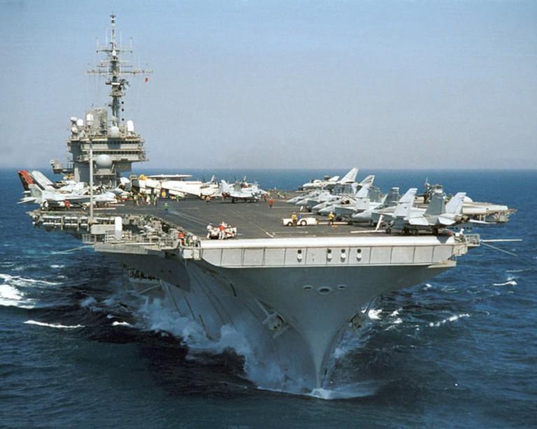 USS_Kitty_Hawk_CV-63