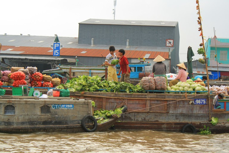 Wholesale floating markets in the Mekong