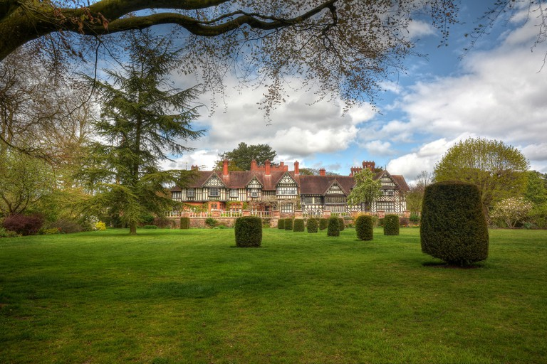 Wightwick Manor and Gardens | © Les Wiggin Flickr